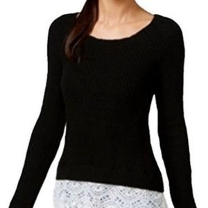 Black Ribbed Scoop-Neck Seater